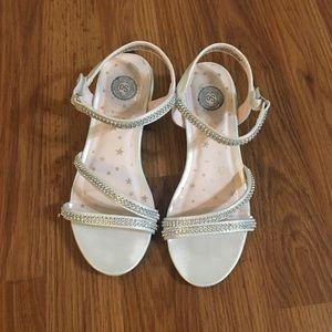 Size 2 Girls dress shoes 👠